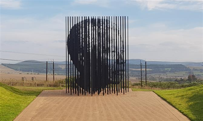 Mandela Capture Site marca o local onde Madiba foi capturado, durante o período do Apartheid