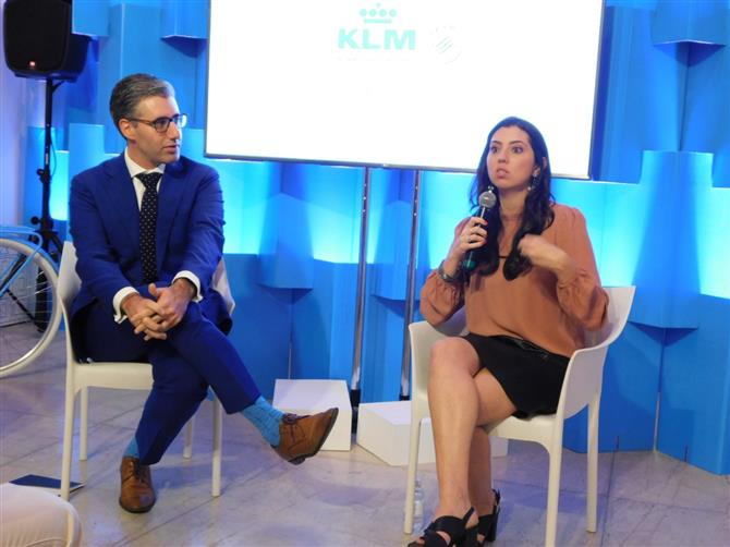 Seth Van Straten, diretor comercial da Air France- KLM para América do Sul, e Julia de Medeiros, gerente de Marketing da Air France-KLM no Brasil