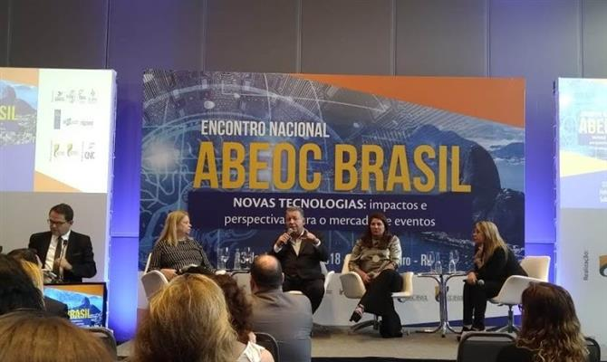 Talk-show sobre o panorama do setor de eventos