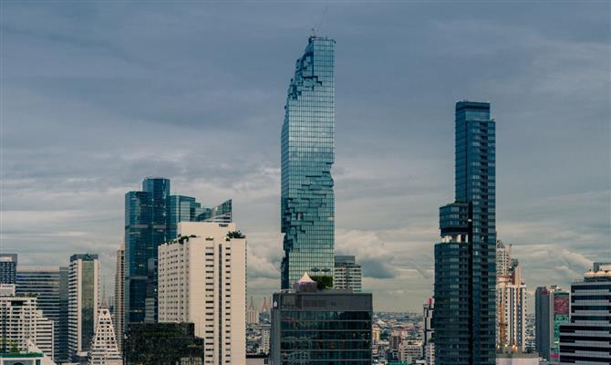 King Power Mahanakhon, ao centro, terá primeiro Orient Express da Accor