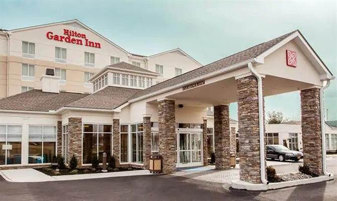 Fachada do Hilton Garden Inn Toronto Brampton West