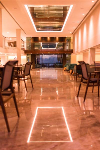 Lobby do Vogal Luxury Beach Hotel