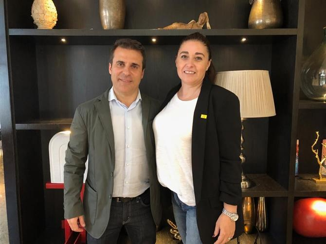 Joan Romero e Marta Bros, diretor do Turismo da Catalunha na América do Sul e gerente de Desenvolvimento do Catalunha CVB, respectivamente